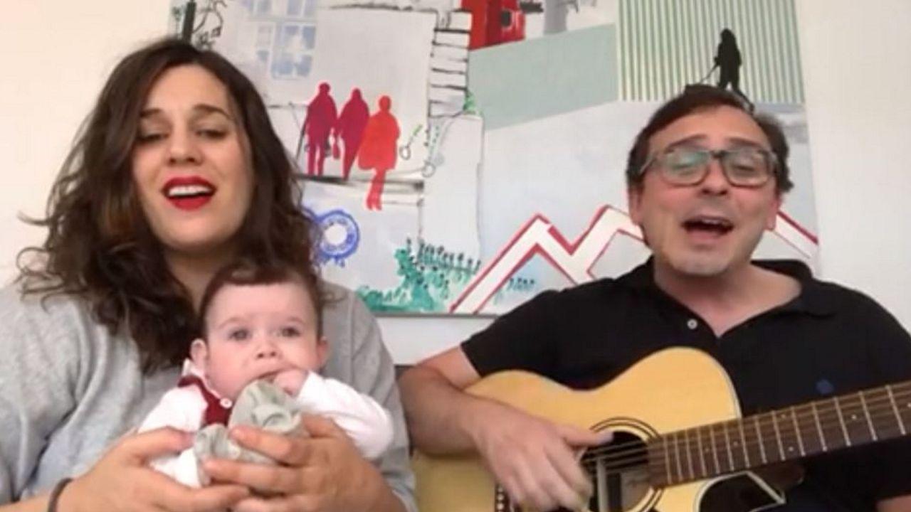 Lugo llora la muerte del músico de la eterna sonrisa.Foto do Gran Teatro en 1990