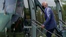 Joe Biden sube al helicóptero presidencial para viajar, este sábado, a su residencia de Delaware