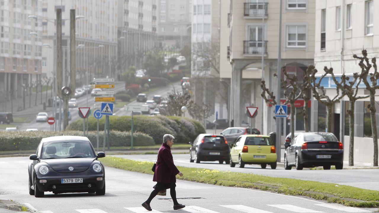 Paso de peatones en la avenida de la Trinchera de Ferrol