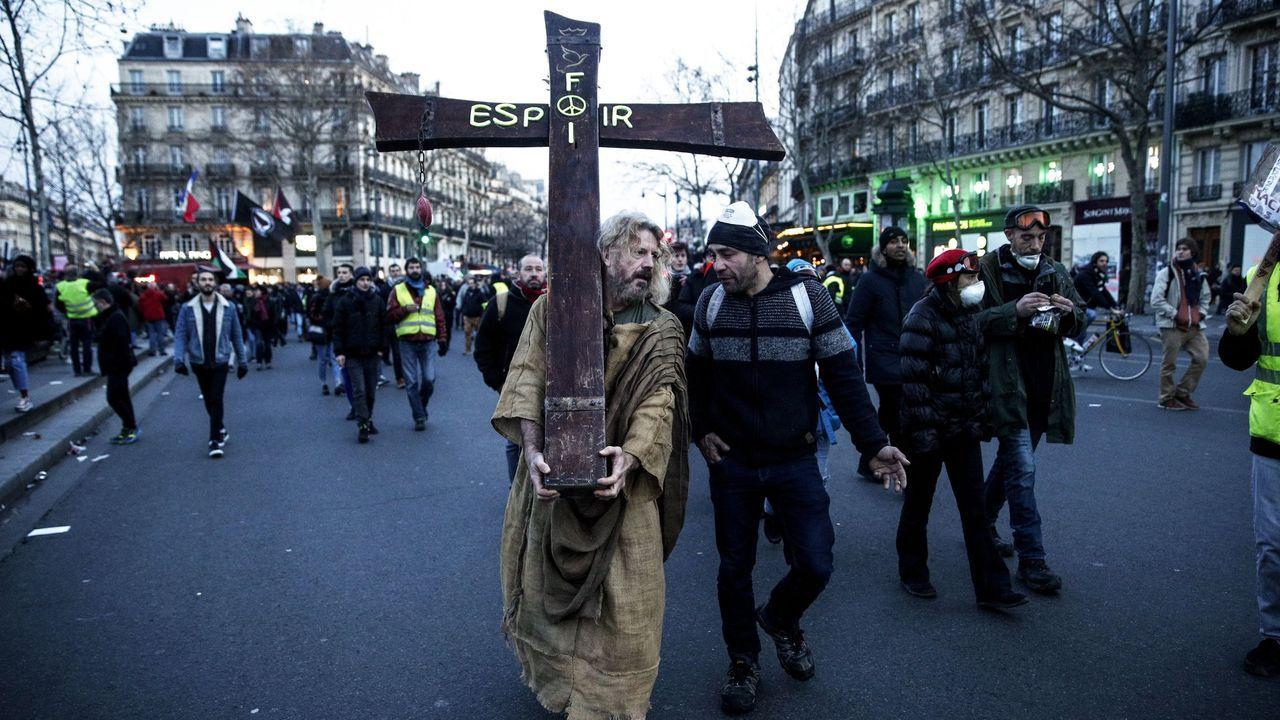 Manifestantes en la movilización de este sábado contra el proyecto de reforma de las pensiones del Gobierno francés