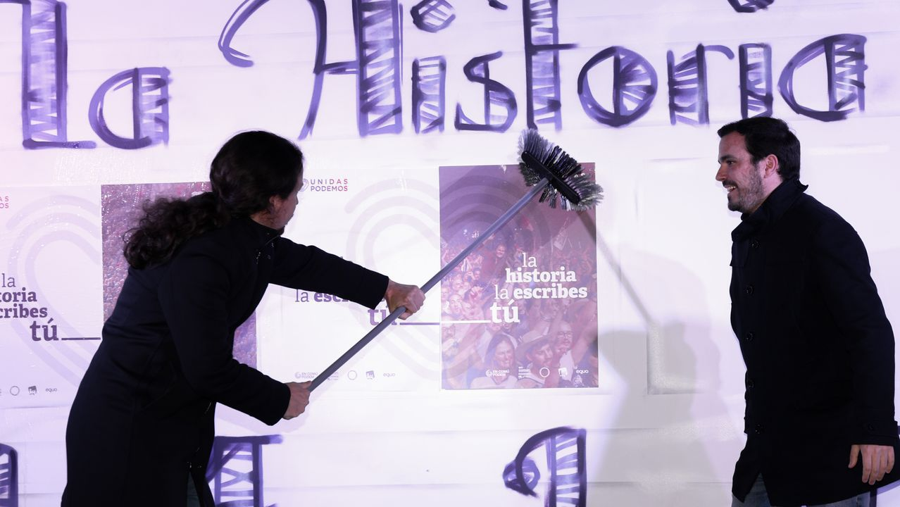 Pablo Iglesias y Alberto Garzón en el acto inaugural de la pasada campaña del 28A
