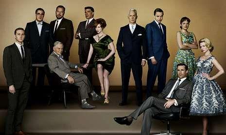Los Globos de Oro, en imágenes.Actores del filme «La gran estafa americana», al recoger el premio del sindicato de actores estadounidenses al mejor elenco.