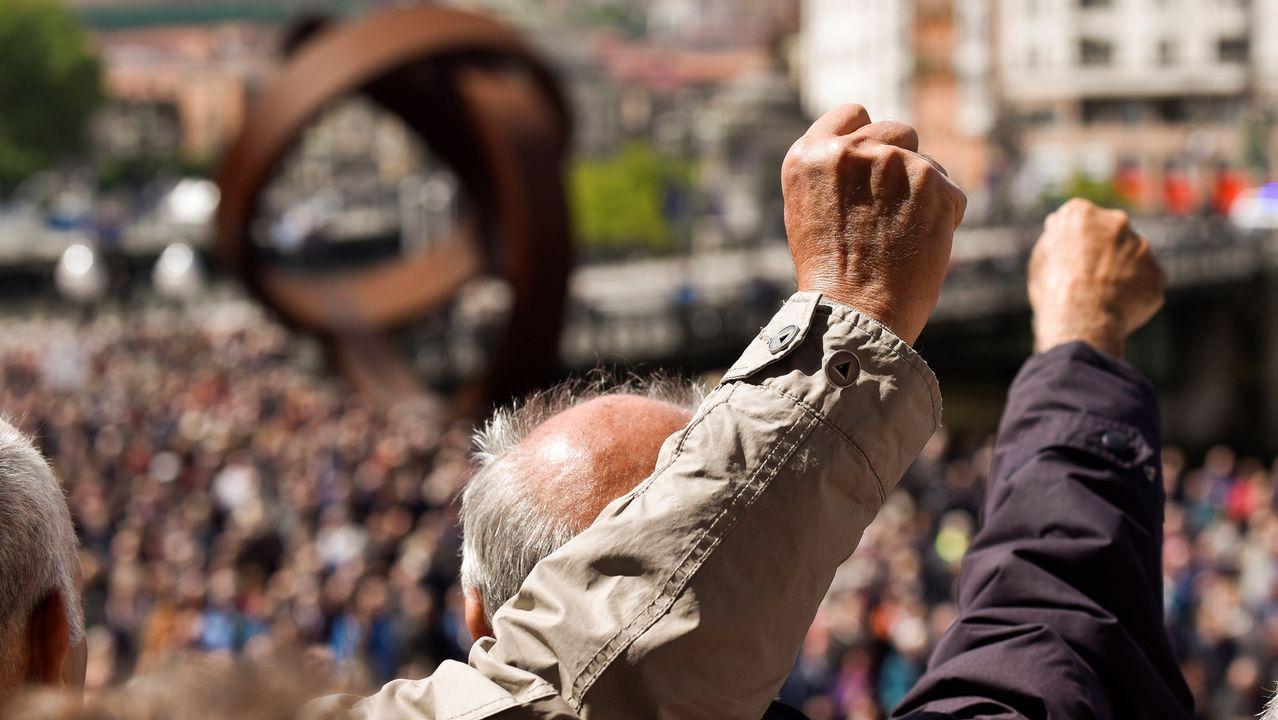 Organizaciones de pensionistas han vuelto a celebran hoy concentraciones en Bilbao para reclamar mejores en las pensiones