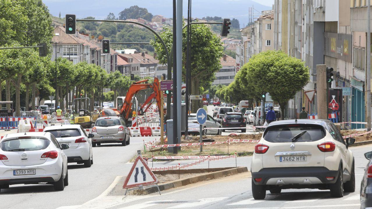 El Camino de Santiago sin gente ni albergues.José Manuel Rubianes, de la Taza Mágica en la calle Maior de Sarria, espera que no haya rebrotes