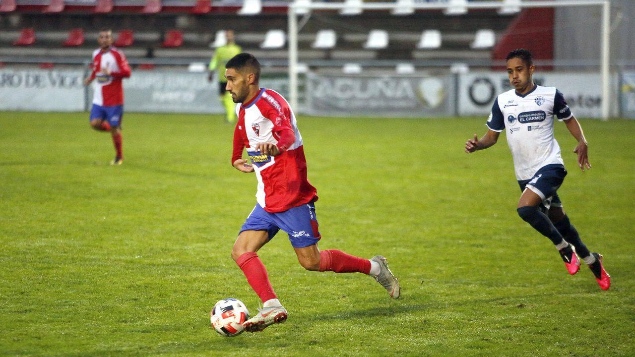 Las imágenes del partido entre el Arousa y el Ourense CF