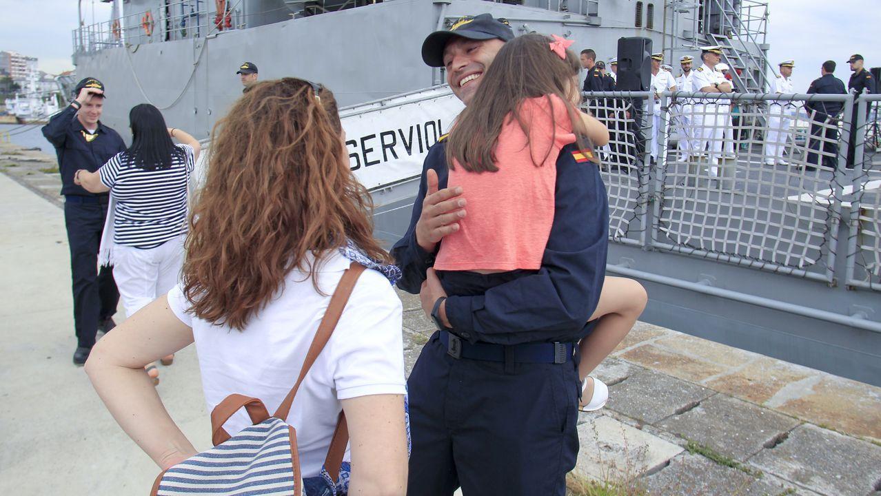 Regreso a Ferrol del patrullero Serviola tras cuatro meses desplegado en África.Puesto de tiro de la Unidad de Defensa Antiaérea ubicado en Monteventoso