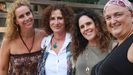 Carolina Moñino (primera por la izquierda) junto a Pepa Horno, Elena González y Carmen Ruiz, psicólogas expertas en tratamiento y prevención de abusos a niños y autoras del libro «Poniendo alma al dolor»