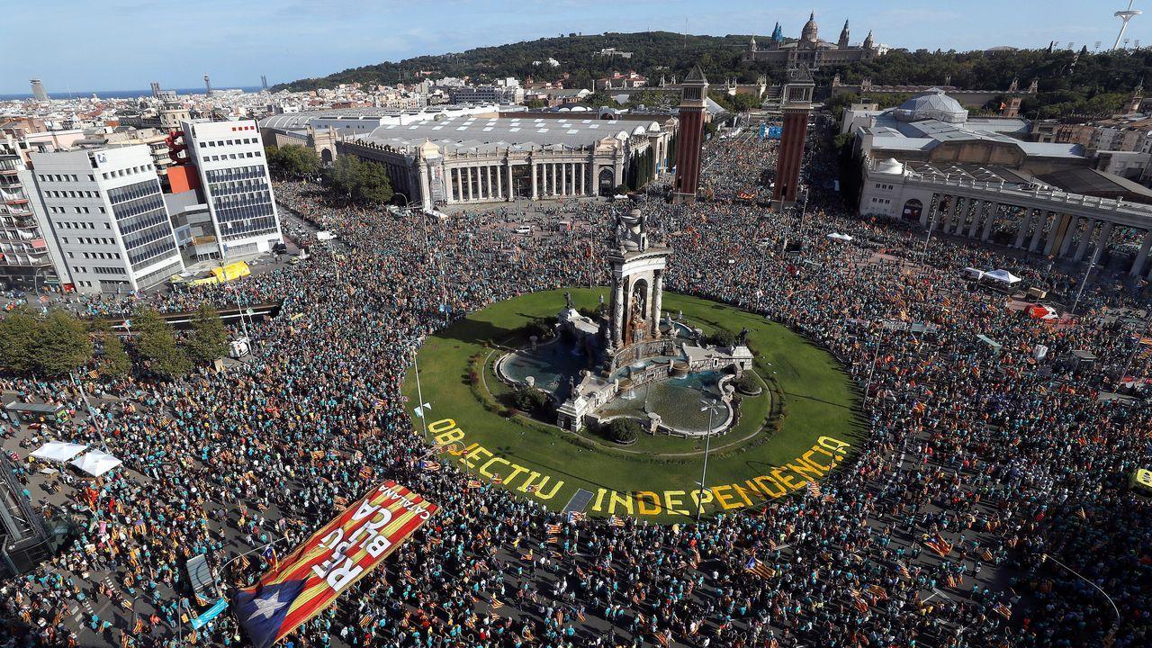 La manifestacion de la Diada se celebró por primera vez paradójicamente en la plaza de España y frente al palacio de Alfonso XIII