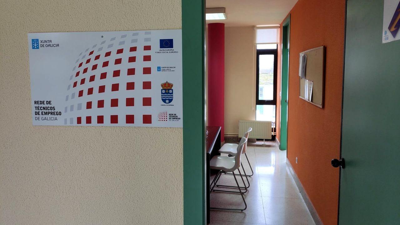 Entrada de la oficina de la nueva agente de empleo y desarrollo local de Bóveda