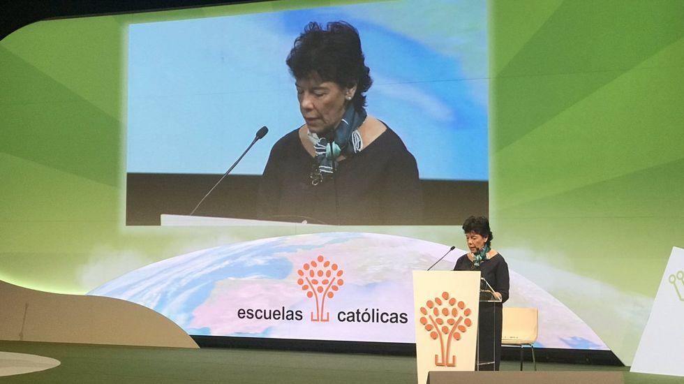 Isabel Celaá durante la inauguración del congreso de Escuelas Católicas