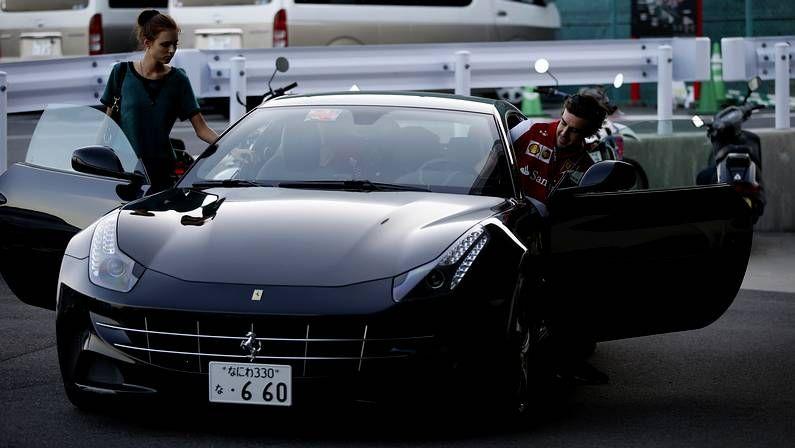 Las imágenes del Gran premio de Suzuka de Fórmula 1.Alonso y su novia, en un Ferrari