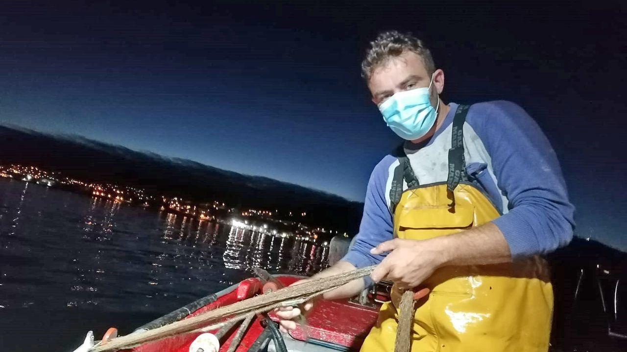 Amarturmar, turismo marinero en Redondela.Turistas en el mercado de Valença