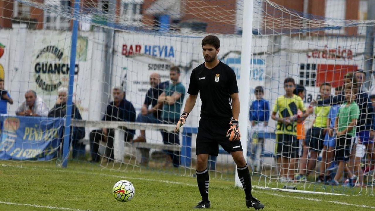Gorka Magunazelaia, en un amistoso con el Real Oviedo