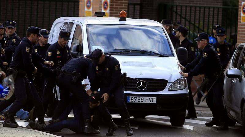Enfrentamientos entre policía y manifestantes.Arturo Valls
