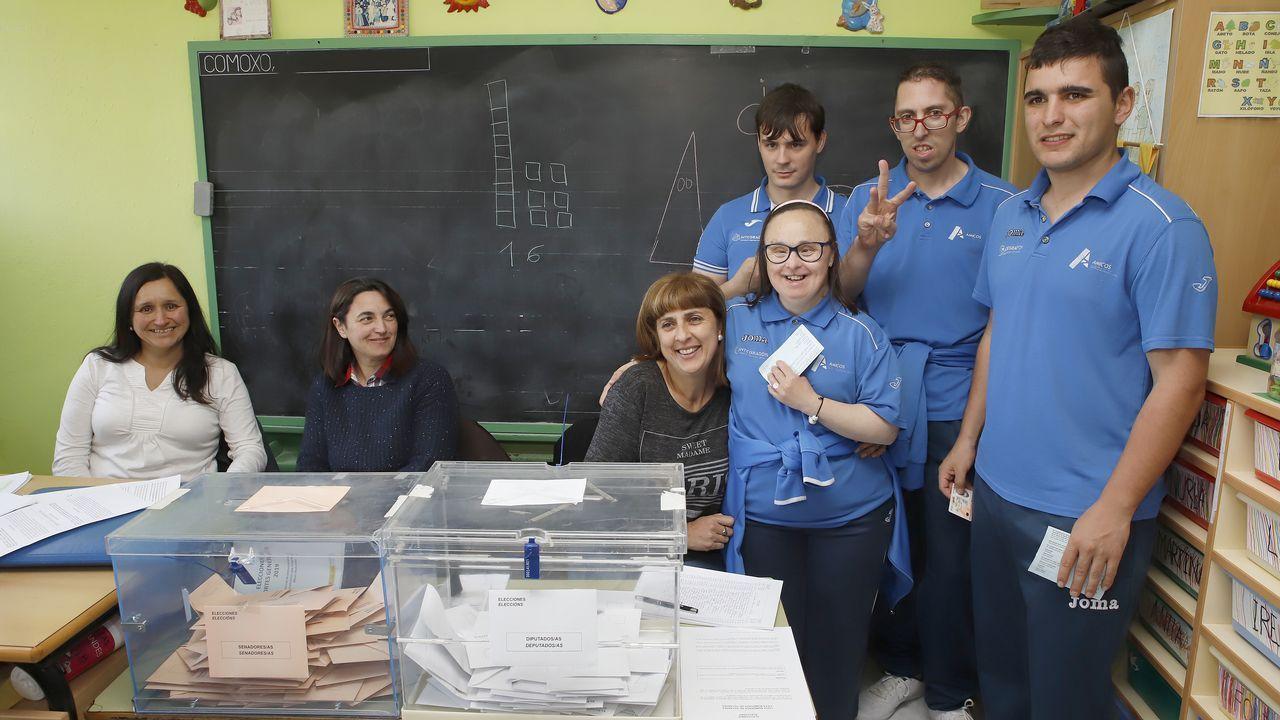 ¡Mira aquí las imágenes de la jornada electoral en Barbanza!