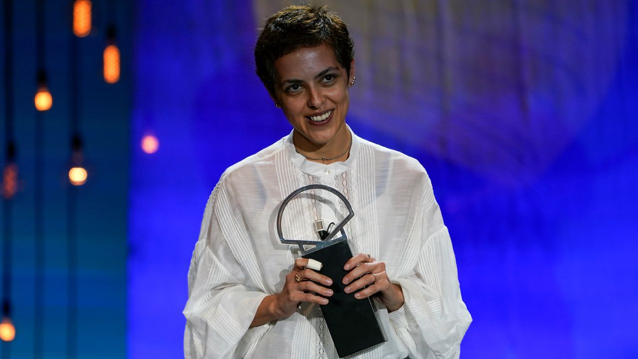 La directora georgiana, con la Concha de Plata a la mejor dirección, uno de los premios cosechados por «Beginning»