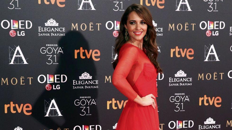 En febrero posaba así de sonriente en la alfombra roja de los premios Goya.