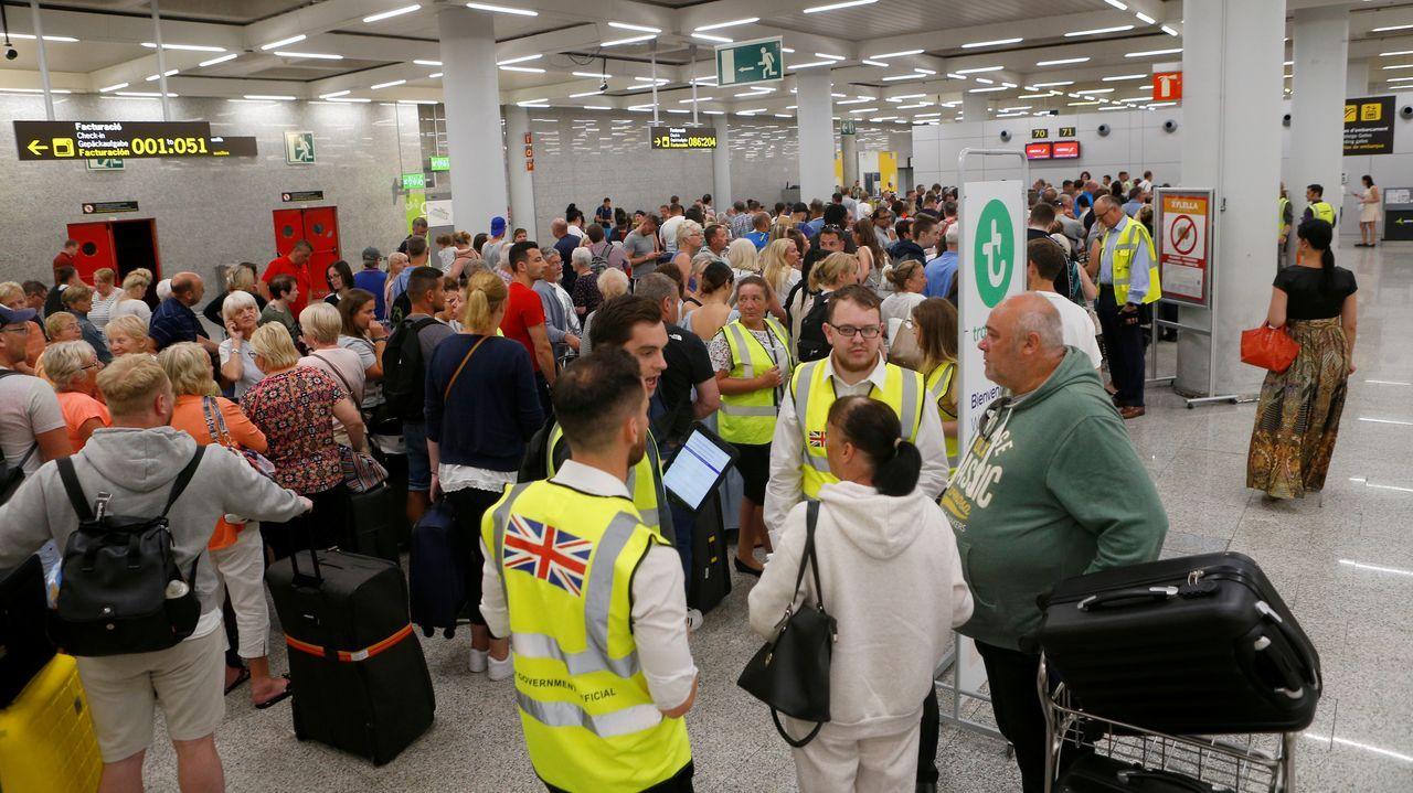 Pasajeros afectados por la quiebra de Thomas Cook en el aeropuerto de Palma de Mallorca