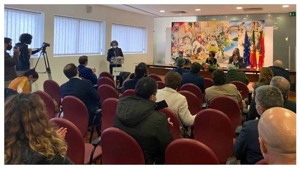 El historiador Cástor Pérez Casal expuso ante los alcaldes portugueses, la secretaria de Estado lusa y la directora xeral de la Xunta los fundamentos científicos e históricos del Camiño Miñoto Ribeiro