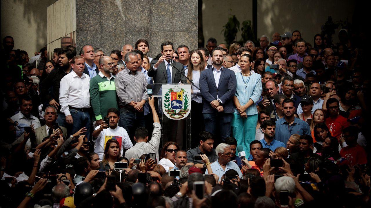 | REUTERS.Ante sus seguidores, Guaidó rechazó negociar las iniciativas planteadas por México y Uruguay.