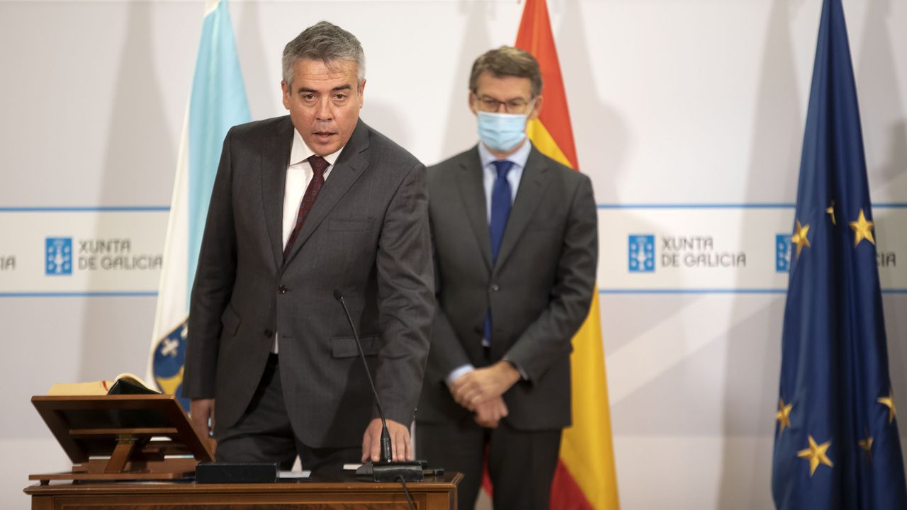 El nuevo director xeral de Defensa do Monte, Manuel Rodríguez, junto al presidente Feijoo