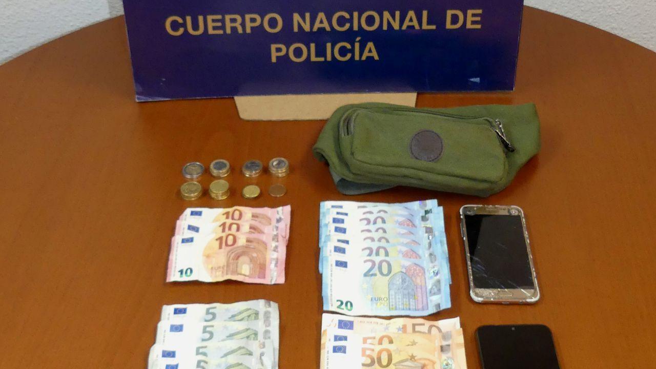 Foto de archivo de un dispositivo de la Policía Nacional de Ribeira