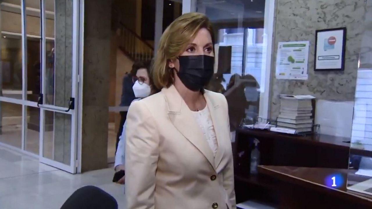 María Dolores de Cospedal, este miércoles, a su salida del Congreso, adonde acudió para declarar ante la comisión Kitchen, a pesar de que su comparecencia había sido aplazada