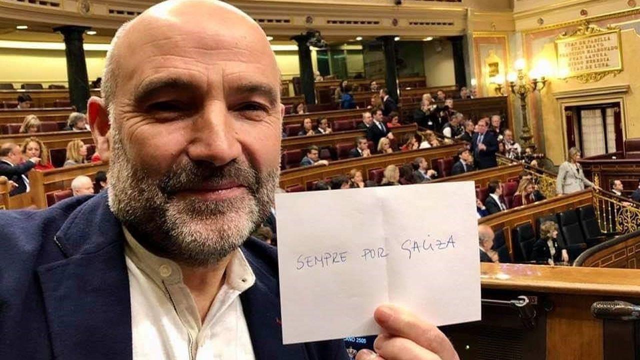 El diputado del BNG en el Congreso, Néstor Rego, se abstiene en la votación a Batet para la presidencia de la Cámara baja.