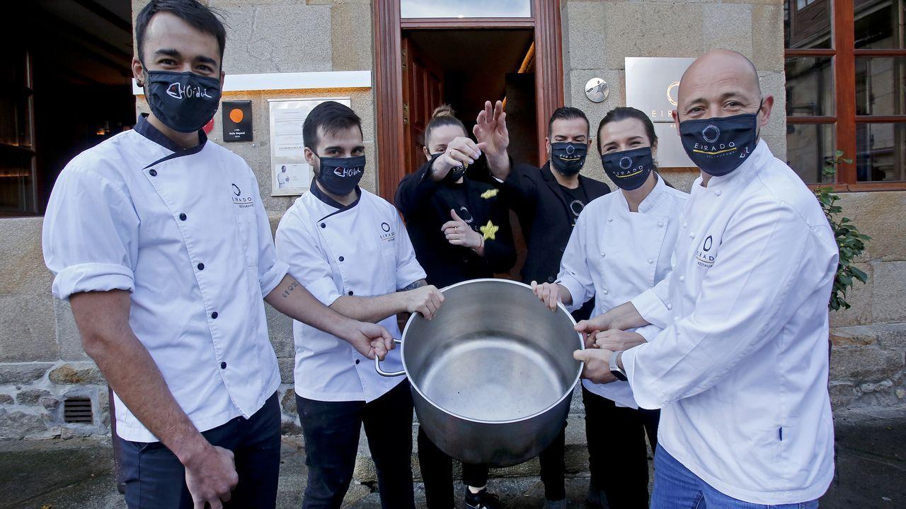 Manifestación hostelería Pontevedra.Área de urgencias del Hospital Montecelo