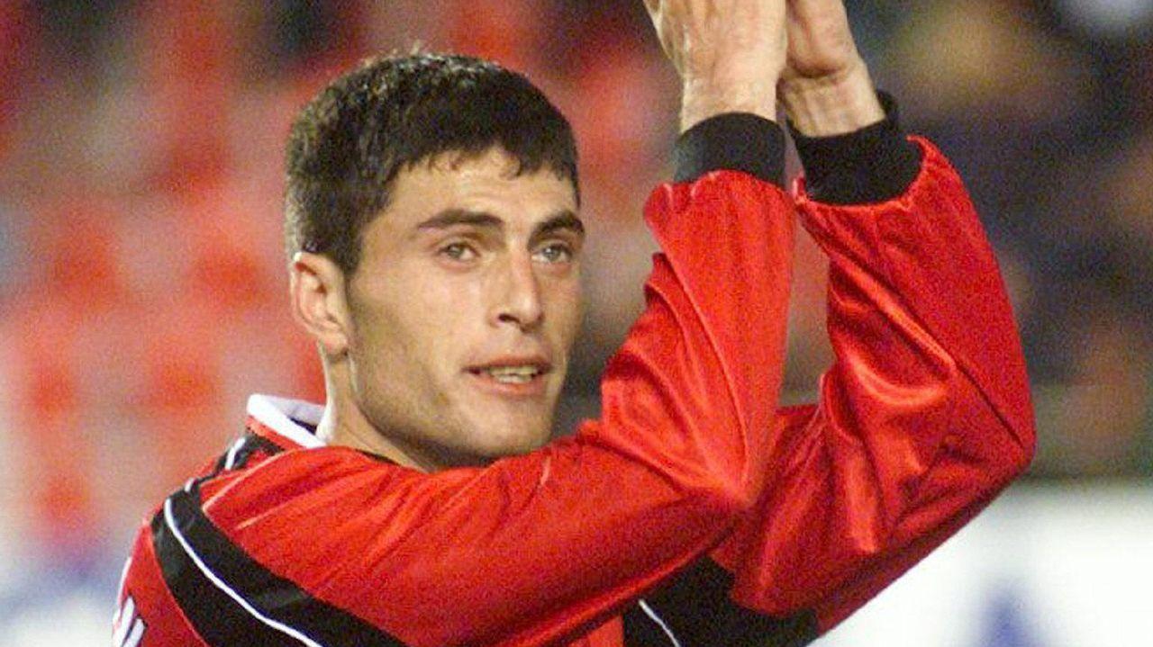El delantero debutó en Primera cuando Vázquez lo subió al primer equipo en su etapa en Mallorca.