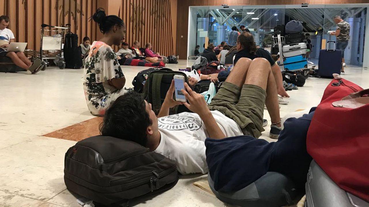 «Non me durmín ata as catro por medo a unha réplica».Terremoto en Indonesia