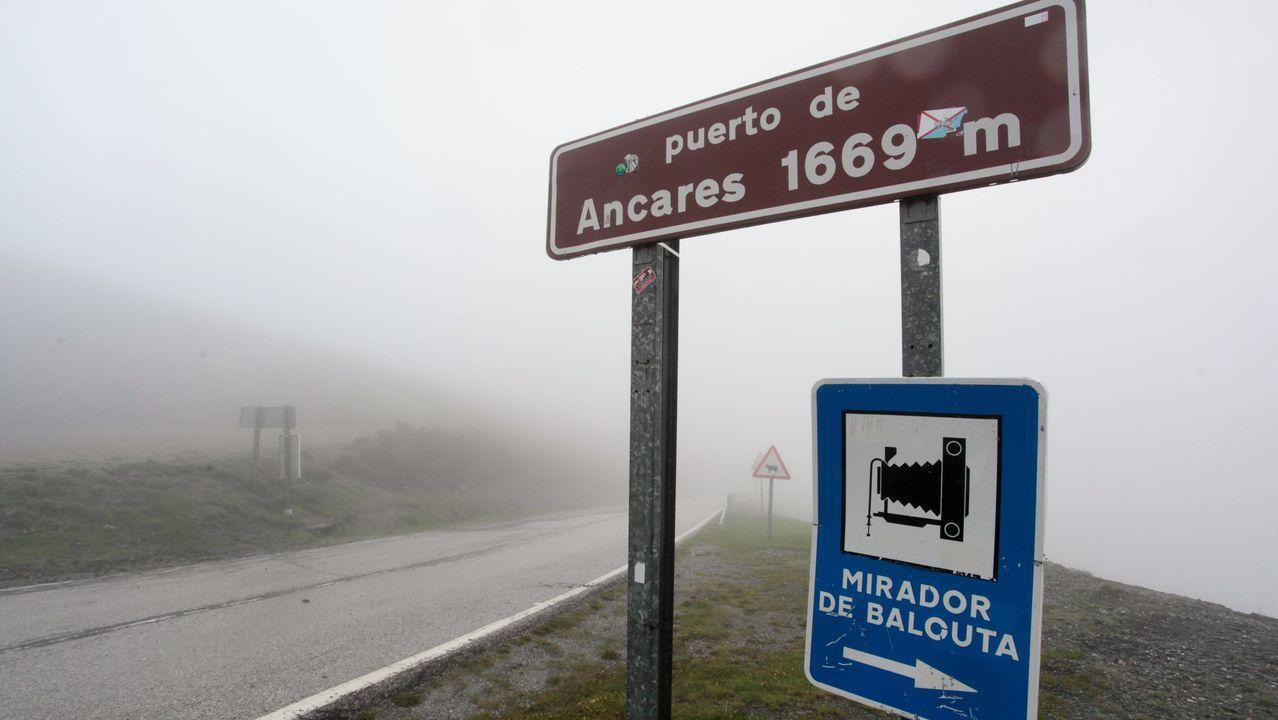 El accidente se produjo cerca del Puerto de Ancares