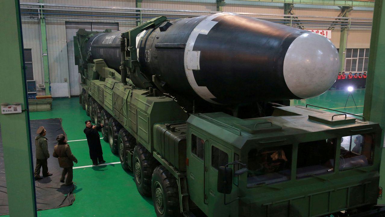 La Brilat honra a su patrona.Misil lanzado por Corea del Norte