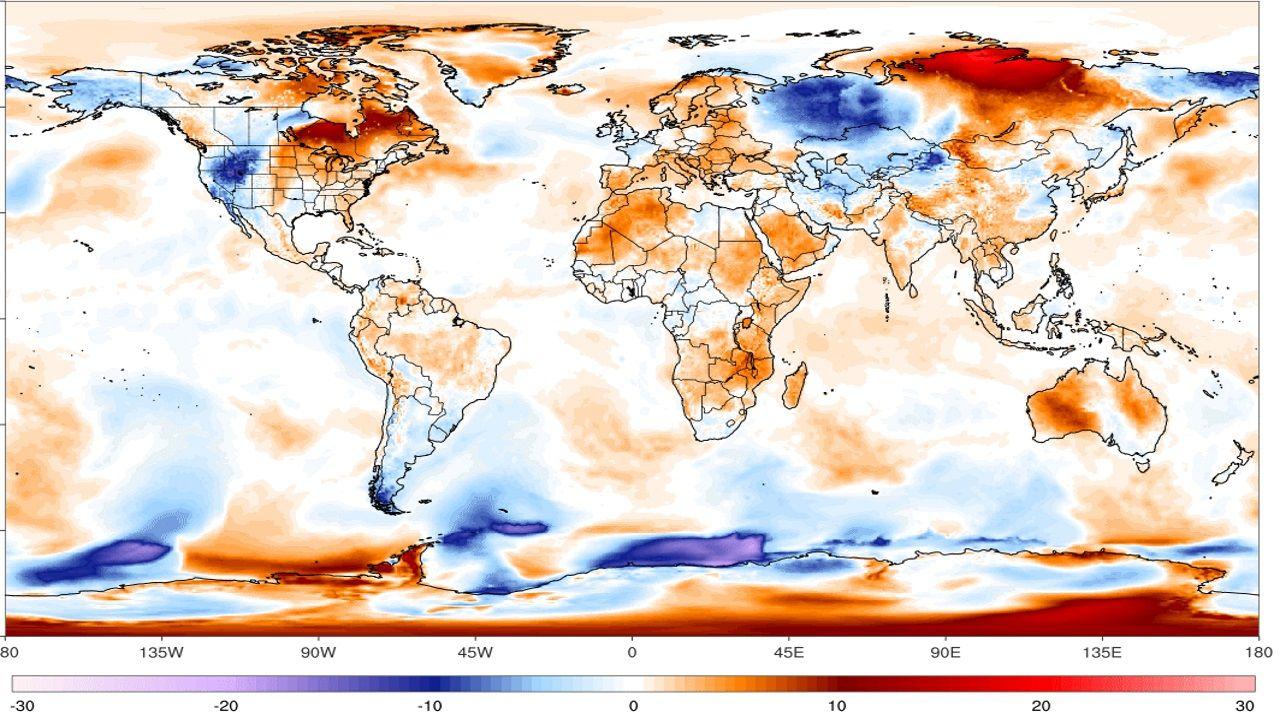 Mapa de anomalías térmicas en el mundo. La más destaca se registra actualmente en el norte de Eurasia, en Siberia.