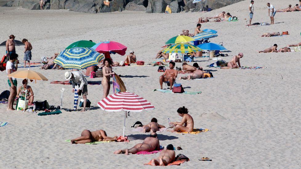 Playa de Retorta, en Boiro.Playa de Combouzas, en Arteixo