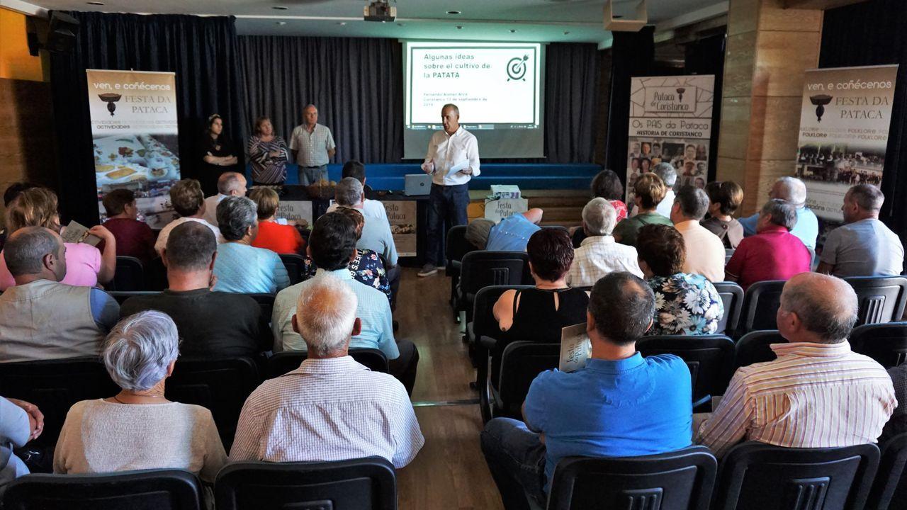 Apertura en Carballo del curso político del BNG: ¡las imágenes!