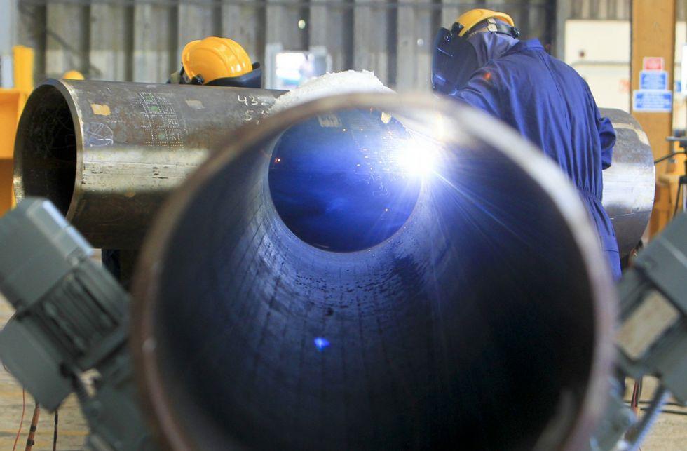 Navantia fabrica dos buques en Ferrol y componentes de eólica marina, en la foto, en Fene.