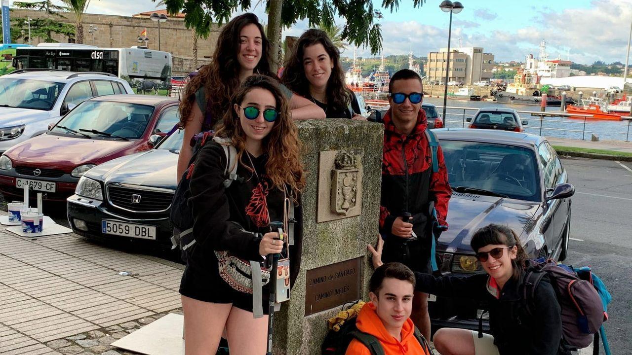 Las razones que llevan a los turistas a visitar Vigo pese a la quinta ola de covid.Los Sánchez Monzón por ahora permanecen optimistas a pesar de estar en dos continentes distintos.