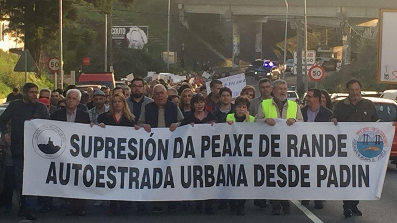 Enésima protesta contra el peaje más caro de España.Peaje de la AP-9 en Fene