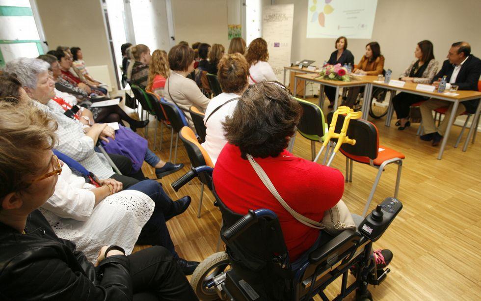 Explicaron que en Galicia hay 146.627 mujeres con discapacidad.