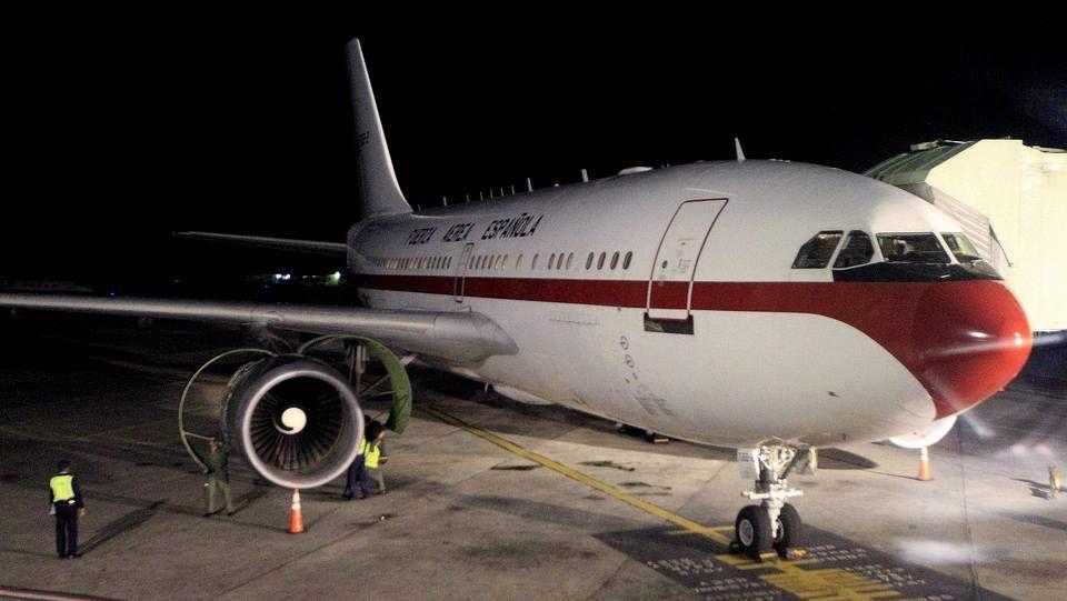 Último adiós a Adolfo Suárez.Airbus A-310
