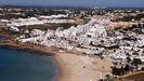 Vista aérea de una de las playas de Lagos, una de las zonas más turisiticas del Algarve