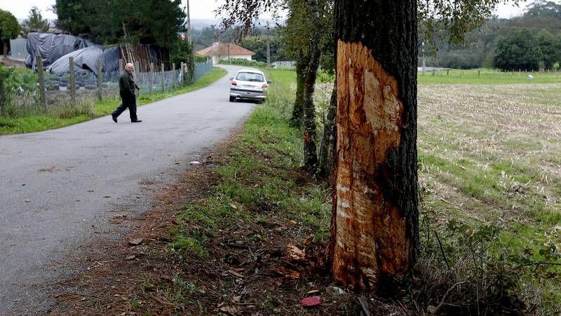 El conductor del accidente de Ordes dio positivo en alcohol.Lugar del siniestro donde perdieron la vida dos jóvenes.