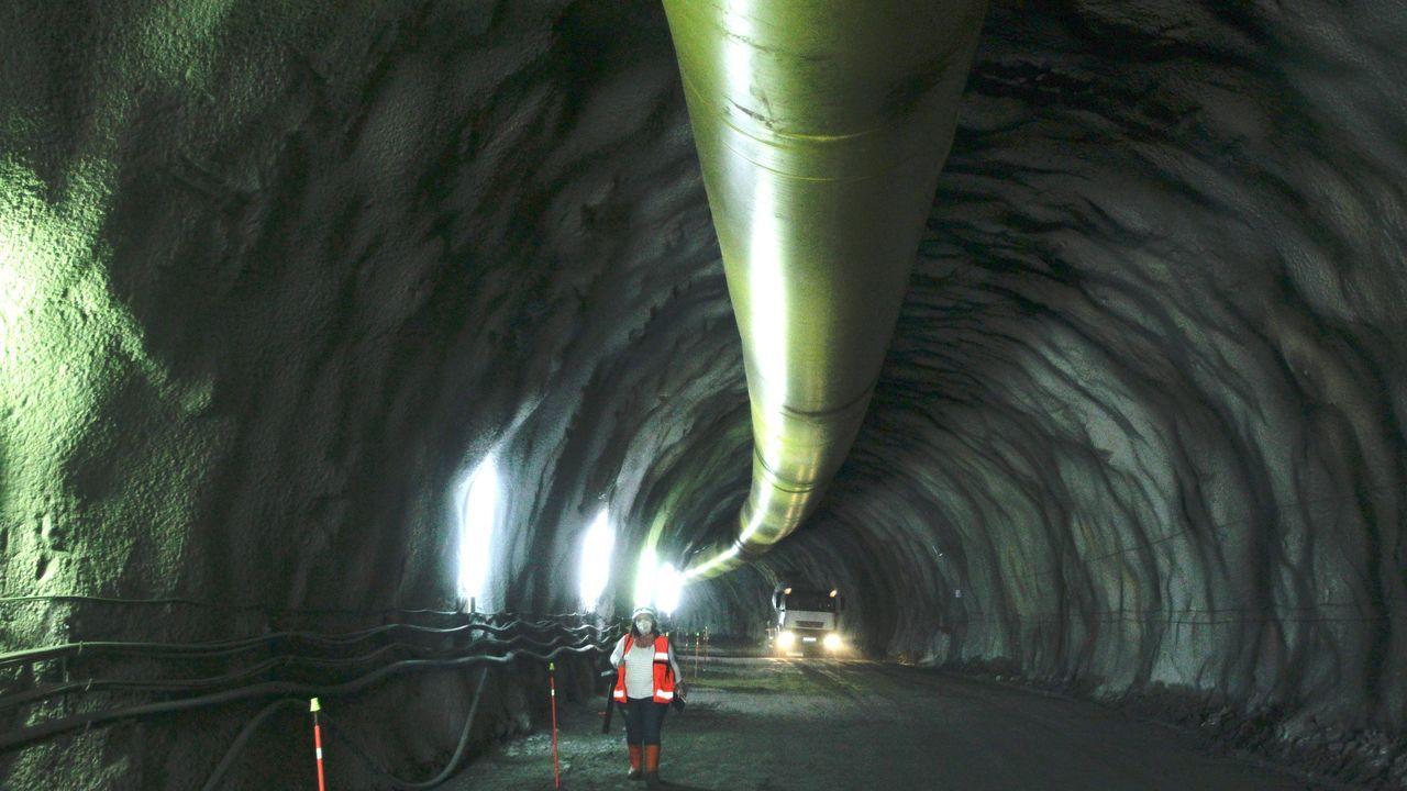 Imagen de archivo del interior de la obra del túnel ferroviario bajo los montes de Brión