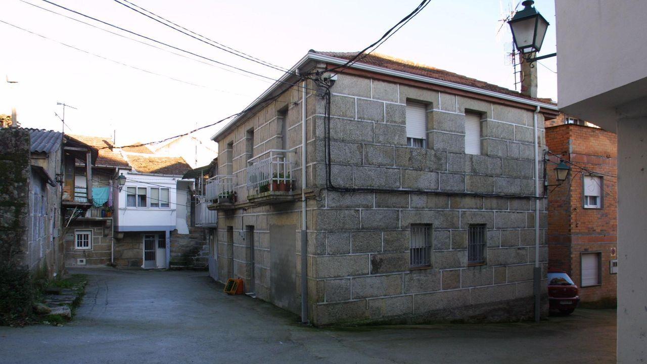Restos del botellón en Méndez Núñez