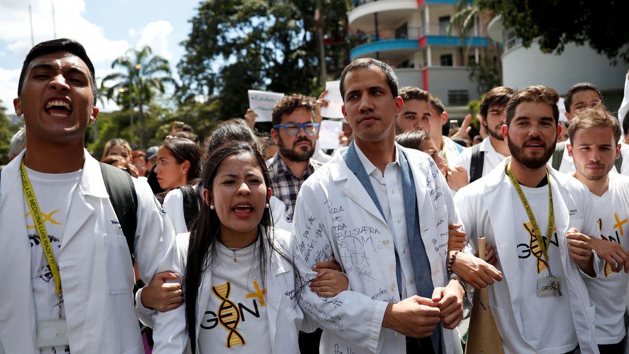 Guaidó, en el centro durante la manifestación de este miercoles, suma un importante respaldo de la comunidad internacional para completar la transición democrática en Venezuela