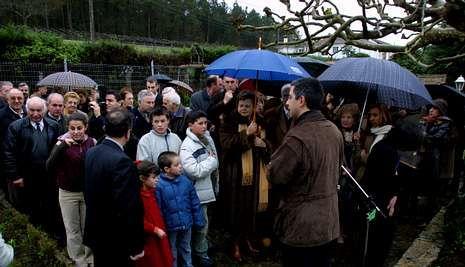 El Año Cultural 2004 se dedicó a Reimóndez y se descubrió una placa en su casa de San Miguel de Castro.
