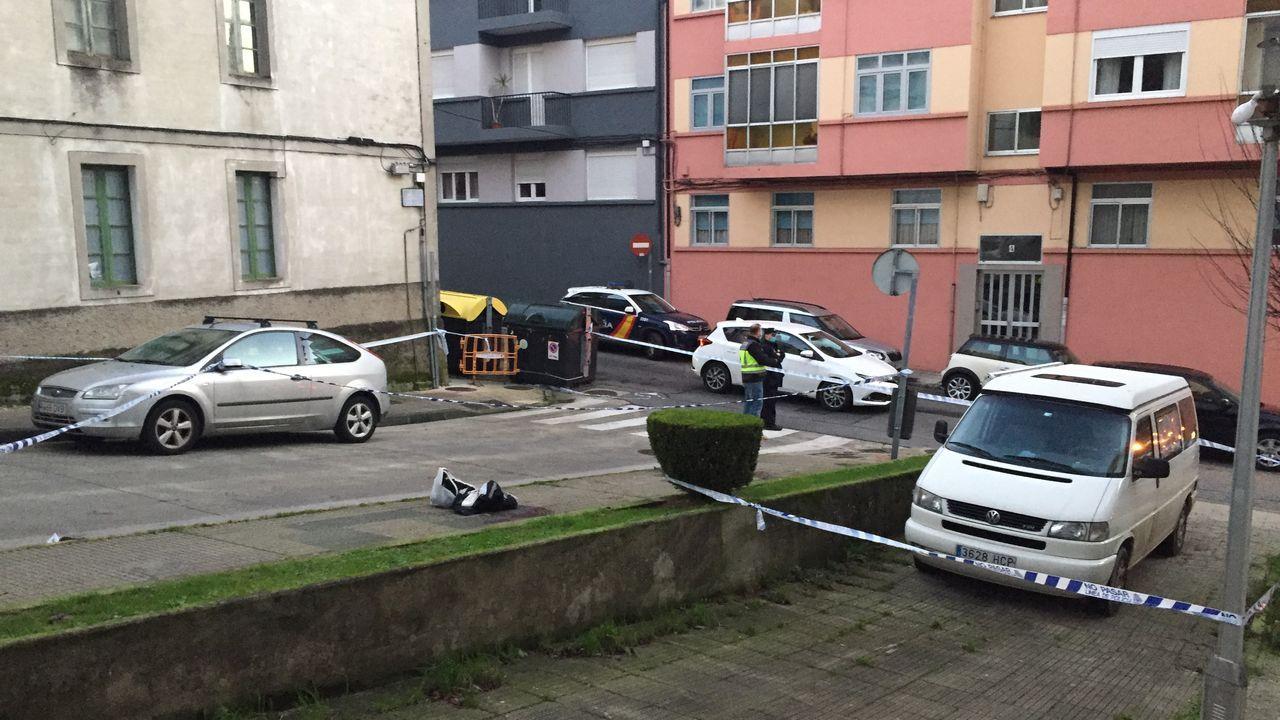 Apuñalamiento en Lugo a las 6 AM.Soldados de la UME lograron retirar este lunes los vehículos que habian quedado atrapados el viernes en la M-40