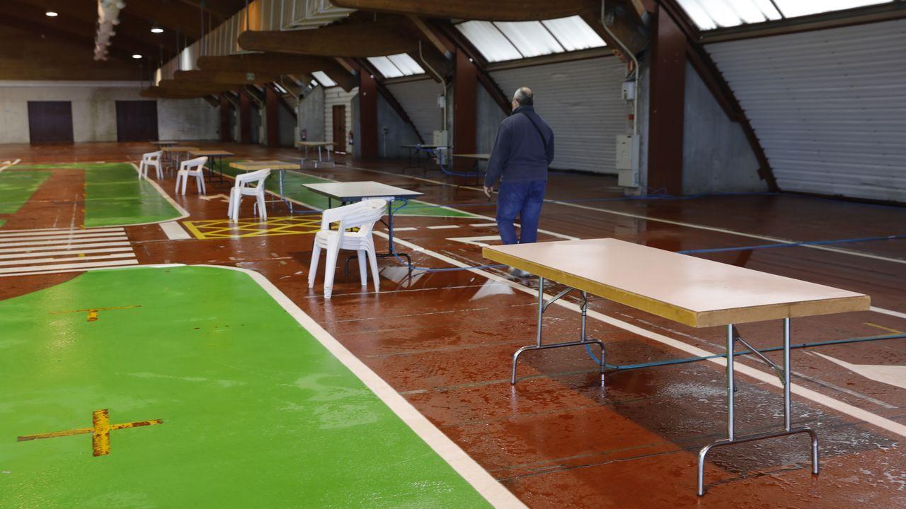 Preparativos en el recinto ferial de Amio para el cribado masivo que se realizará este sabado y domingo