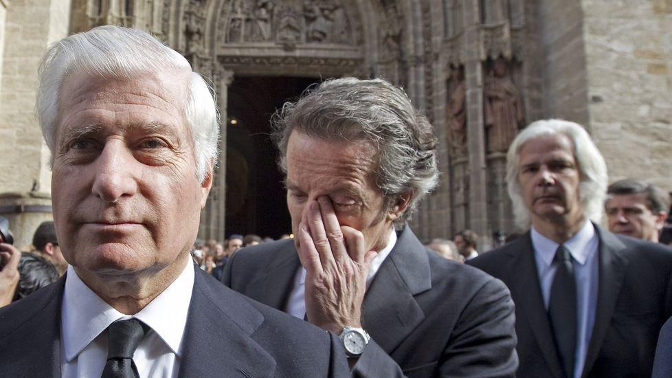 Así ha sido el paso de Pilar Punzano por «Cuéntame».El hijo de la duquesa de Alba, Alfonso (i) y el viudo Alfonso Díez, seguido por los demás hijos y nietos, a la salida de la catedral de Sevilla donde se ha celebrado la misa funeral por Cayetana de Alba